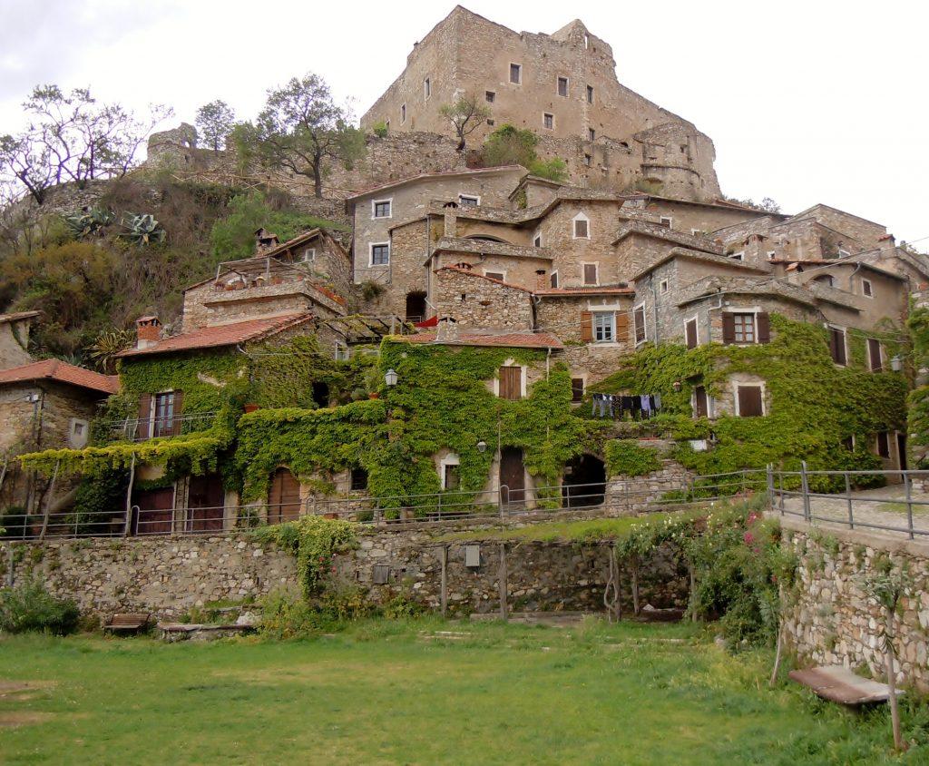 castelvecchio on italian riviera